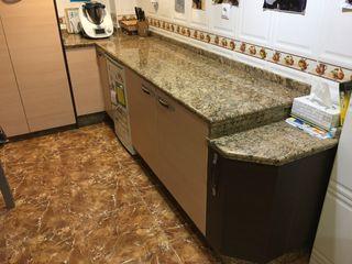 Muebles de cocina y encimera de marmol