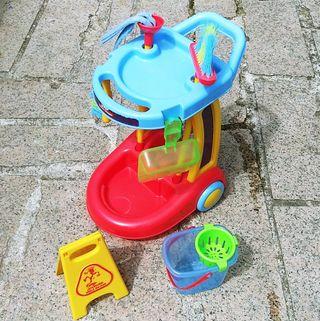 Carro de limpieza de juguete
