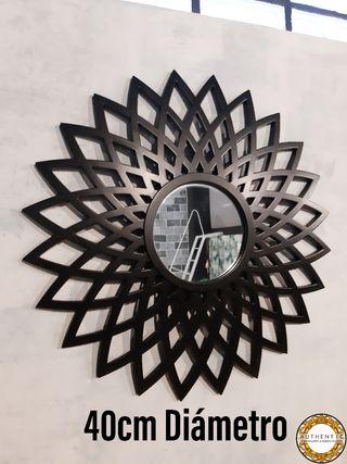 Espejo Sol Negro Mate 40cm Diámetro Geométrico
