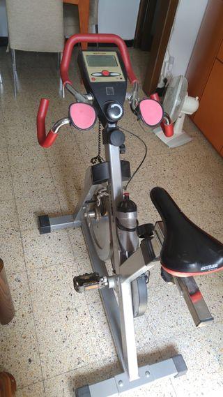 """Bicicleta estática marca """"KETTLER"""""""