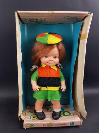 muñeca chatuca de famosa en caja