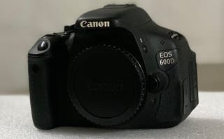 Cámara Canon 600d y objetivo Yongnuo 50mm. F1.8