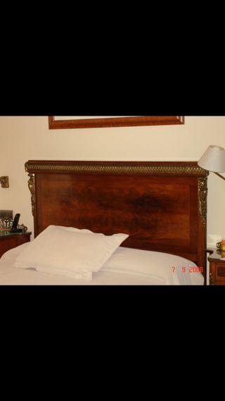 Dormitorio, antigüedad madera y bronce
