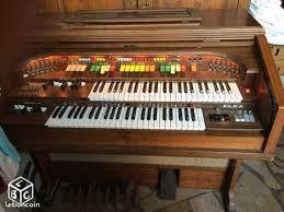 Órgano electrónico ELKA modelo ARTIST 707