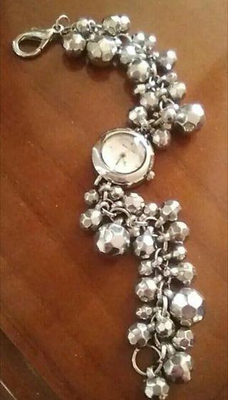 Reloj de mujer con pulsera de perlas de fantasía