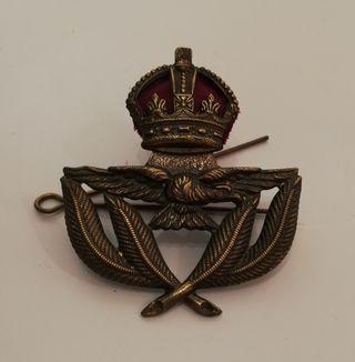Insignia de gorra piloto de la RAF