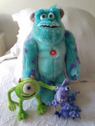 peluches de monstruos de Disney (pixar)