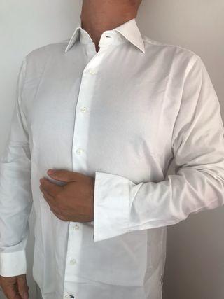 Camisa Rushmore hombre talla 3, que es una M