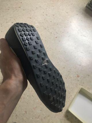 Zapatillas nuevas sin uso. Tengo cordones.