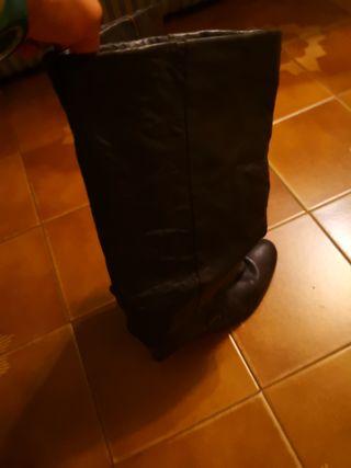 botas de taco color marrones