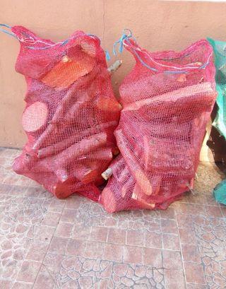 Leña pino en sacos paella barbacoa estufa
