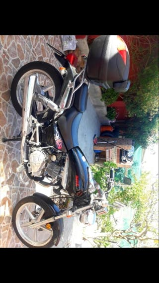 se vende moto AZEL blue note 125cc