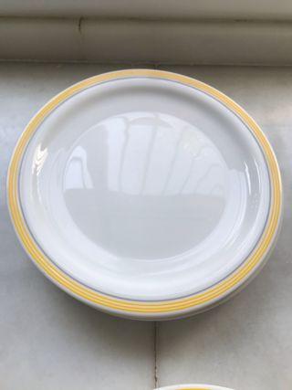 VAJILLA COLOR blanco y amarillo
