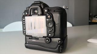 Nikon D7000 + Sigma 17-50 2.8 estabilizado.