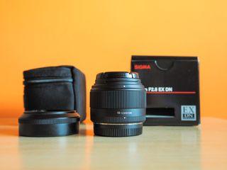 Objetivo Sigma 19 mm f/2.8 EX DN sistema micro 4/3