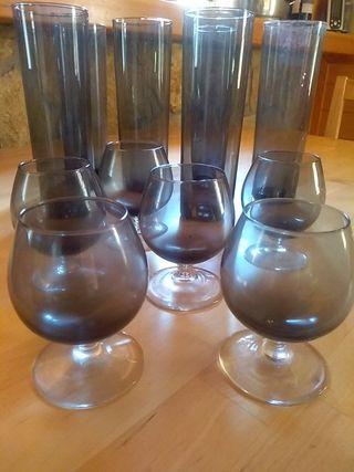 Juego de copas y vasos de licor