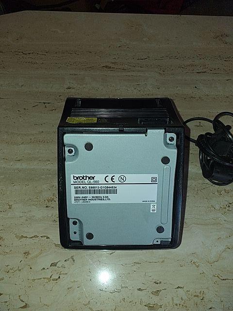 impresora de etiquetas Brother P-touch QL-560