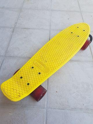 Skateboard yellow de Decathlon