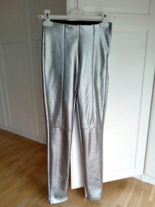 pantalón cuero plata