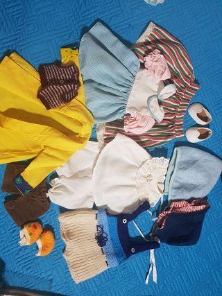 lote de ropa muñecos famosa...