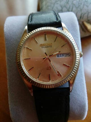 reloj Seiko Quartz.