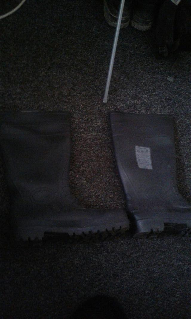 waterproof boots with steel toe