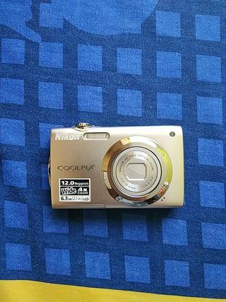 Cámara de fotos Nikon Coolpix S3000