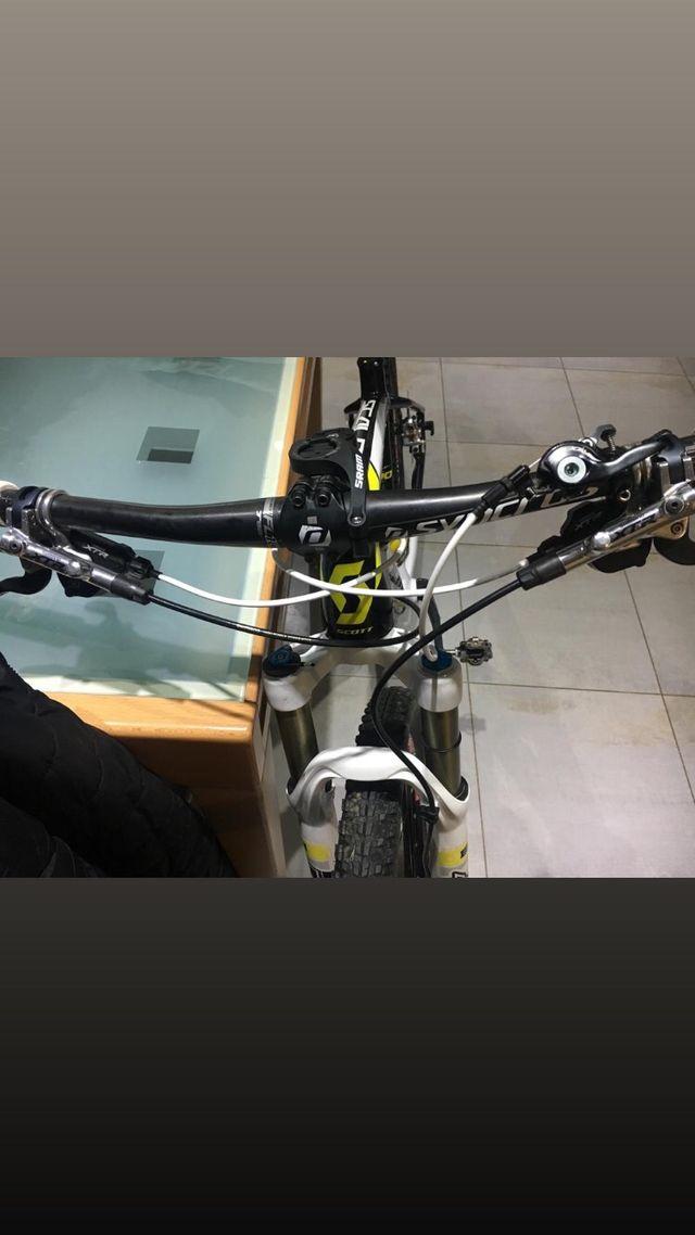 Bicicleta de montaña Scott