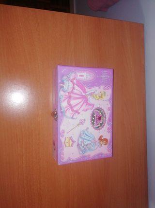 Caja de princesas