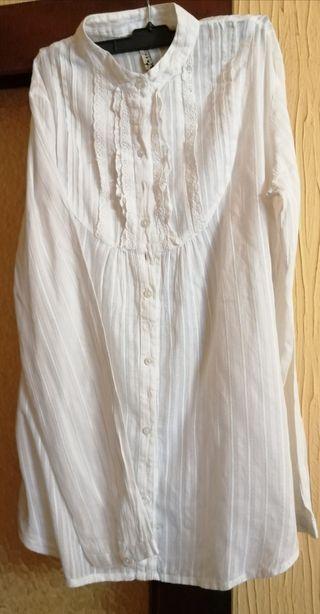 blusa blanca Stradivarius t. XL