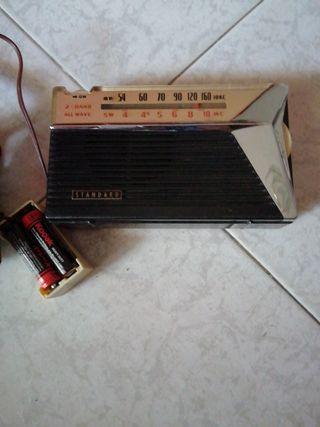 radio estándar antiguo