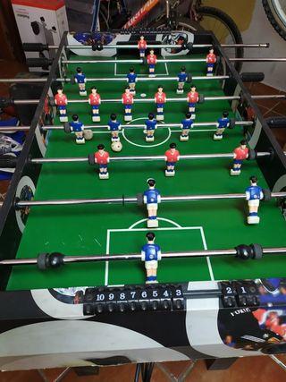 Futbolín con multijuegos
