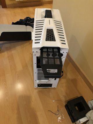Caja ordenador torre nueva