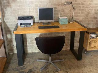 mesa oficina madera y acero