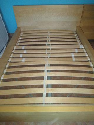 Estructura cama para colchón de 1,35 y mesita