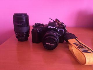 Cámara Nikon 601M Analógica con dos objetivos