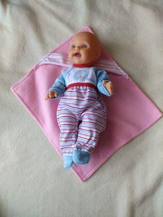 Mantita capa rosa para muñeca