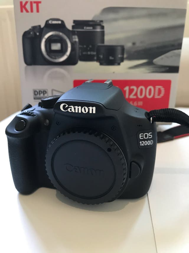 Canon EOS 1200D + 18-55mm + 50mm