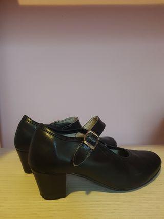 Zapatos Flamenco Niña. Talla 30