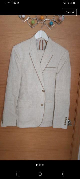 Traje de chaqueta de lino beige