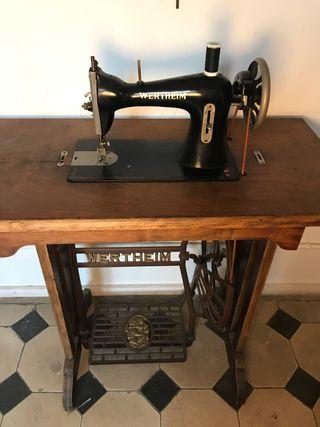 Máquina de coser single antigua