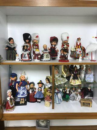 Colección de muñecas antiguas