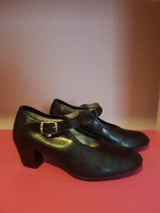 Zapatos Flamenco niña, talla 31