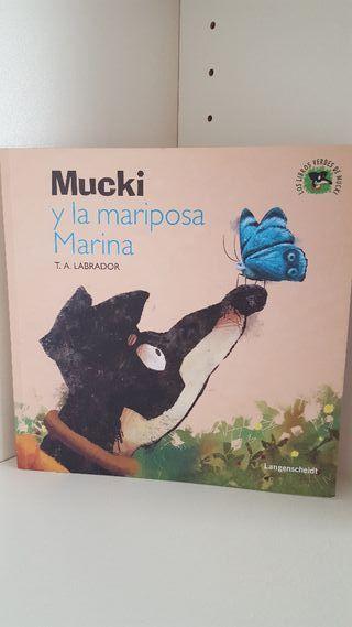 """Libro """"Mucky y la mariposa Marina"""""""