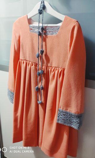 se vende vestido de niña talla 8