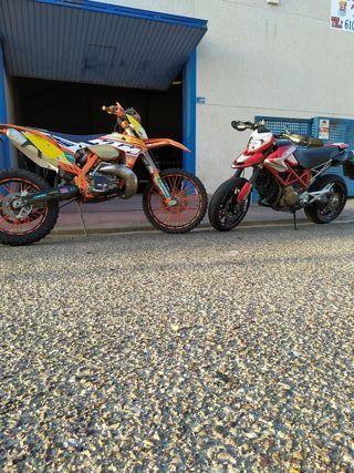 Ducati 1100s y KTM Factory 250
