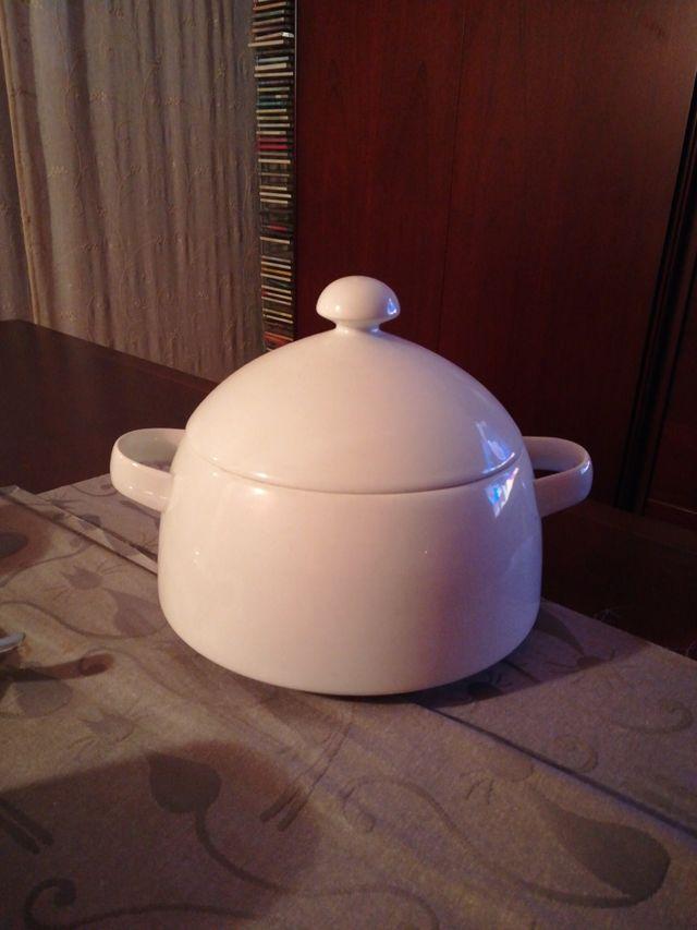 Sopera porcelana austriaca