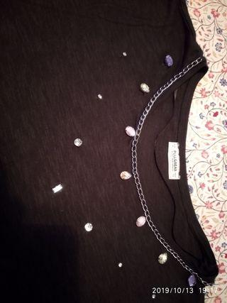 Camiseta negra Pull and Bear