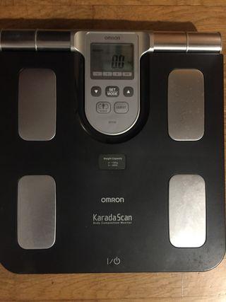 Báscula y medidor de grasa corporal