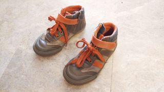 Zapatos bota número 30. Marca Levi's